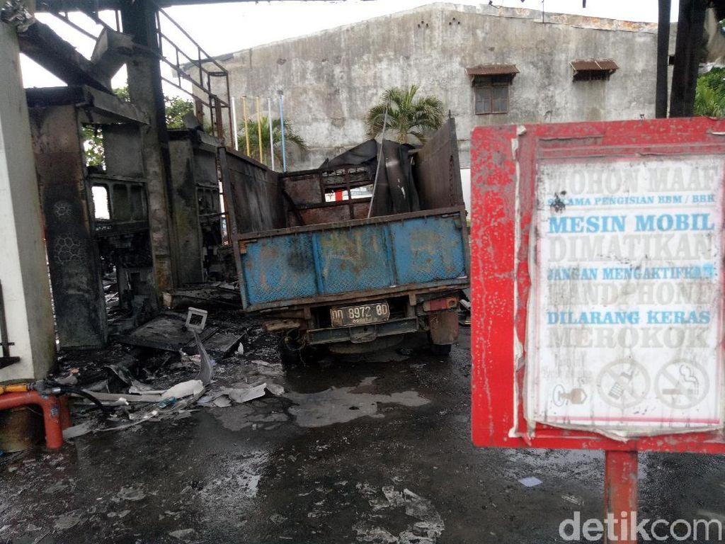 Penampakan Pikap Diduga Penyebab Kebakaran di SPBU Makassar