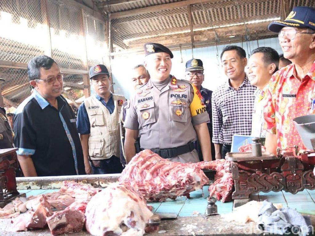 Satgas Pangan Polres Tuban Gelar Operasi Pasar Jelang Natal