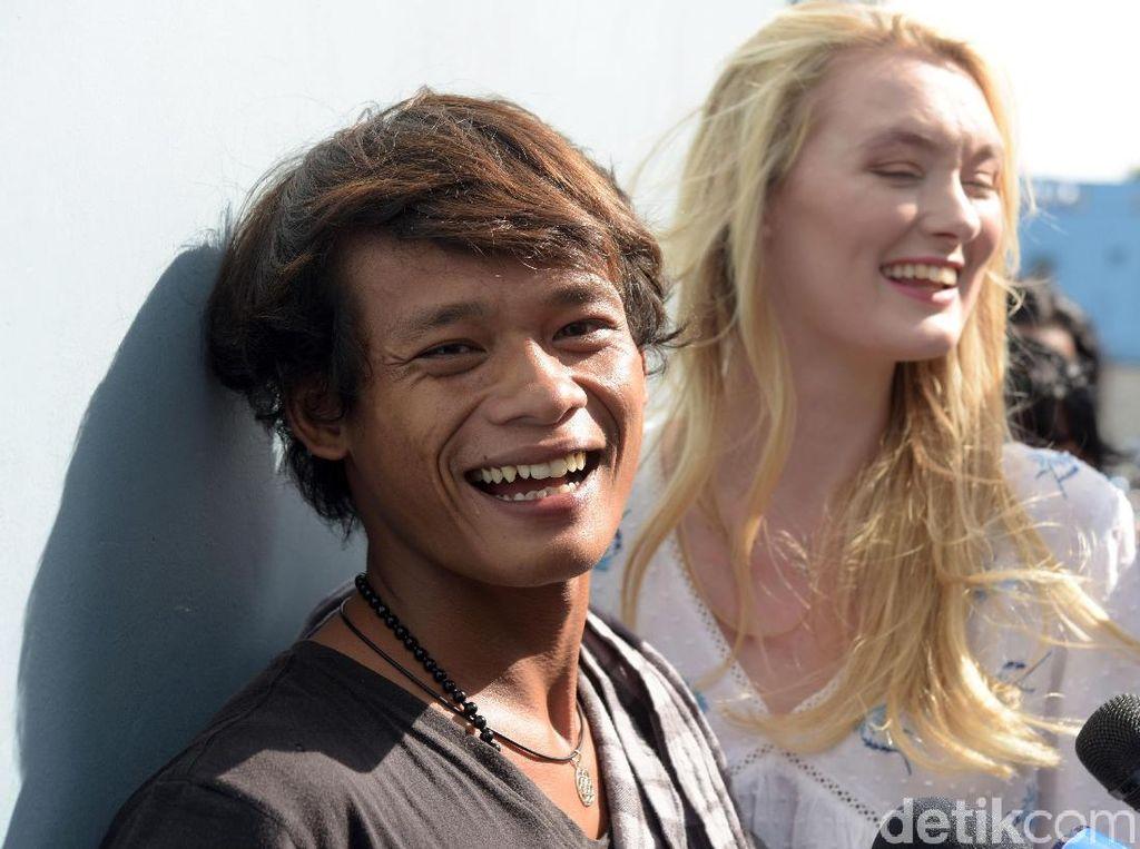 Sempat Viral, Lihat Kebersamaan Iyem Si Bule Cantik dan Suaminya