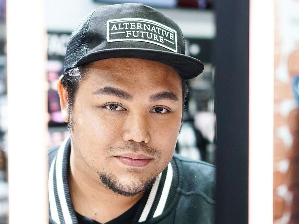 7 Kisah Hidup Ivan Gunawan, dari Jadi Model hingga Presenter Kondang