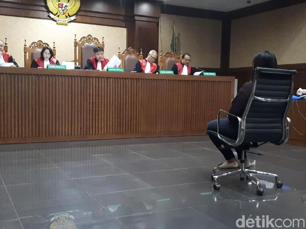 Bantu Loloskan Buron KPK, Pegawai AirAsia Akui Dapat Rp 20 Juta
