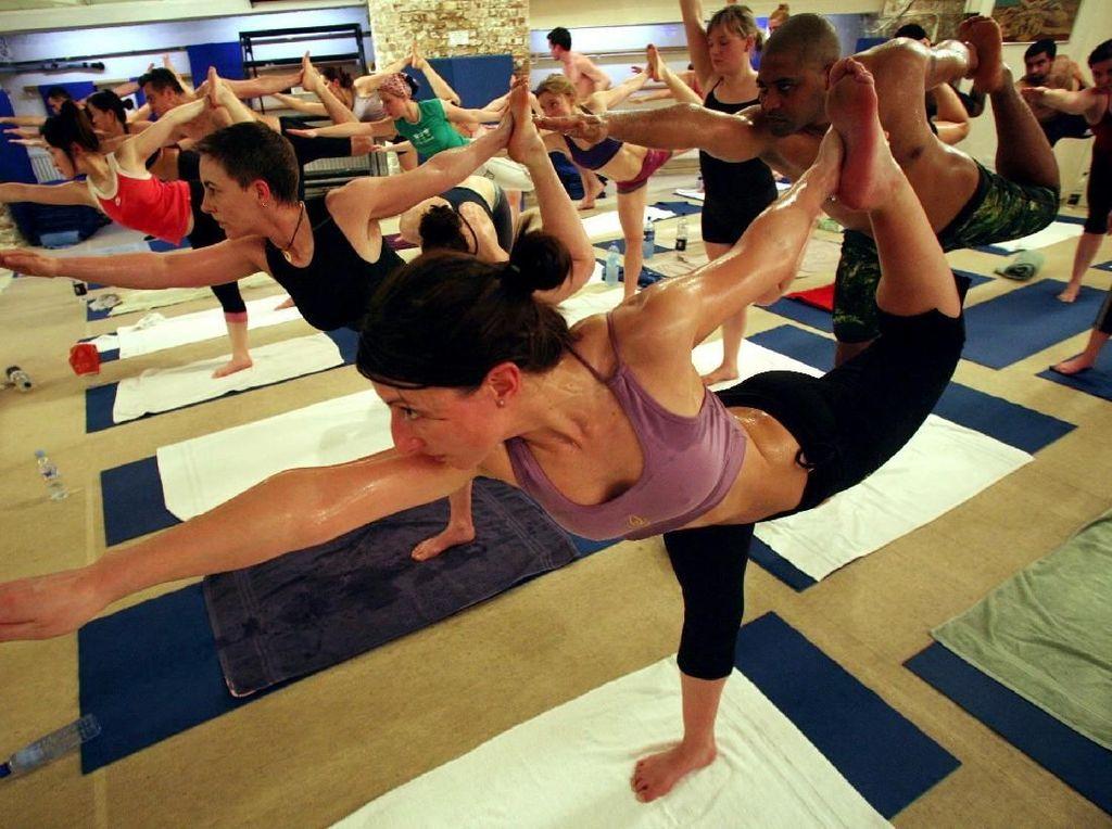 4 Manfaat Yoga untuk Bercinta, Tak Ada Salahnya Dicoba!