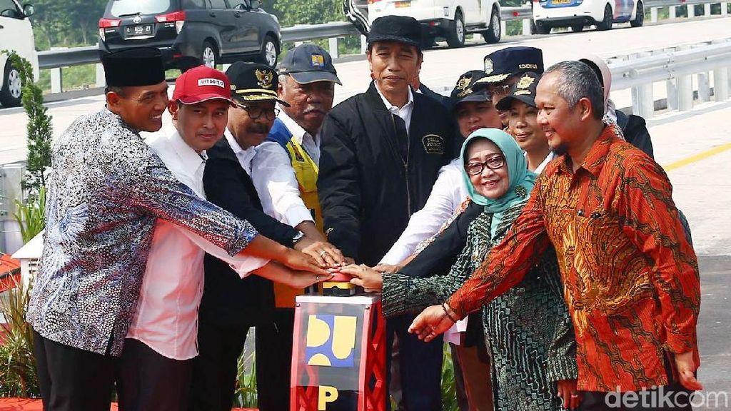Jokowi Resmikan 4 Ruas Tol di Jawa Timur Sekaligus