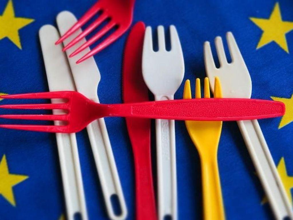 Uni Eropa Putuskan Larangan Peralatan Plastik Sekali Pakai