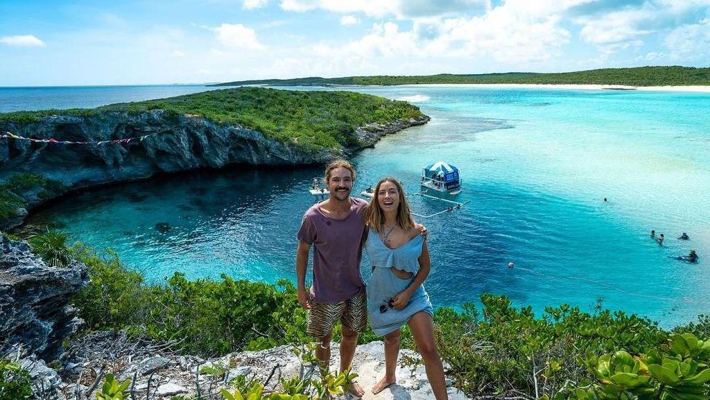 Potret Pasangan Millennial Keliling Dunia dengan Yacht Mewah Didanai Fans