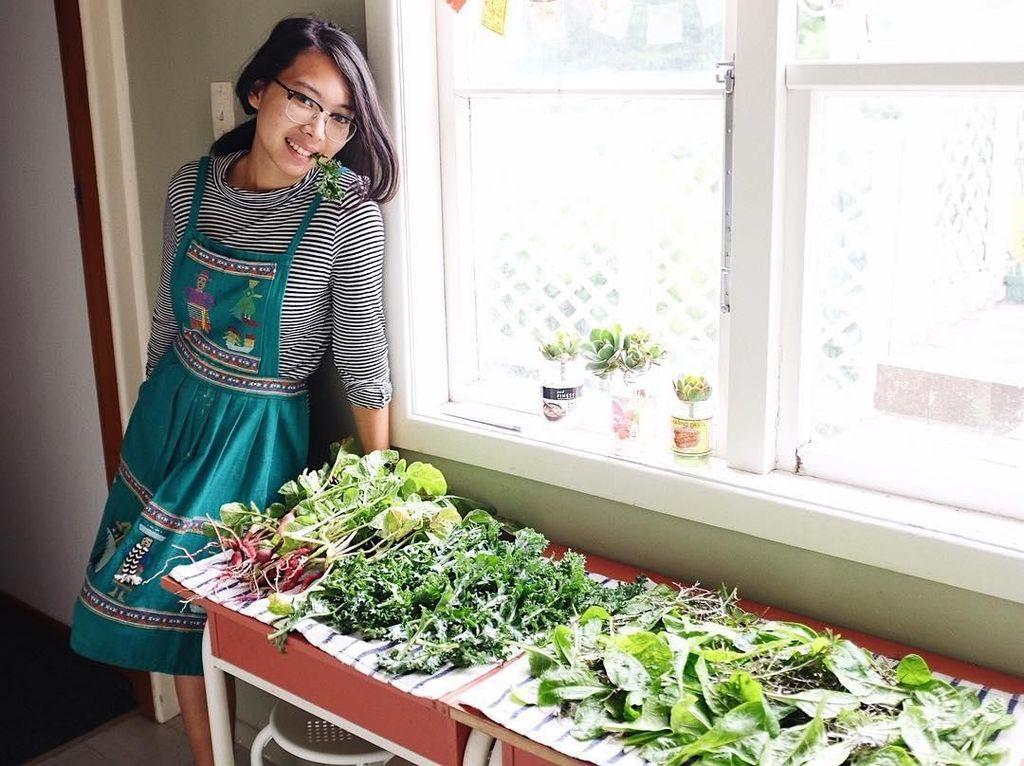 Selain Cantik, Kakak Isyana Sarasvati Ini Juga Vegetarian dan Hobi Berkebun