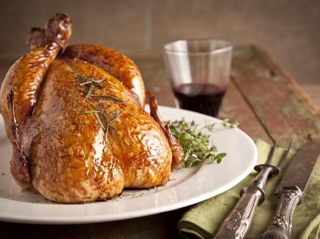 Ayam Panggang Utuh Bisa Dibuat dengan Resep Praktis dari Executive Chef Ini