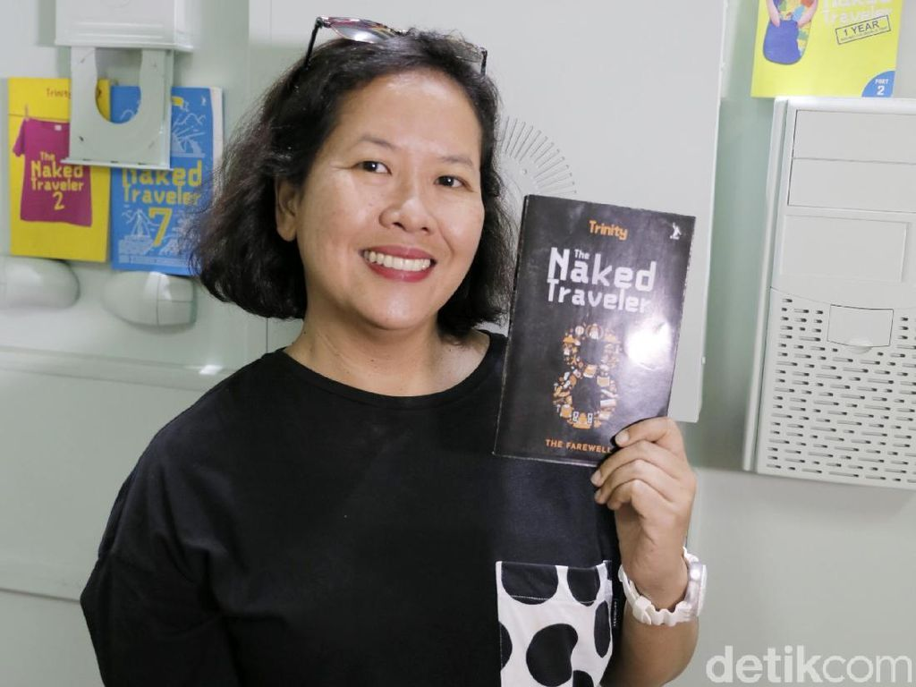 Luncurkan Buku The Naked Traveler 8, Trinity Jumpa Pembaca Hari Ini