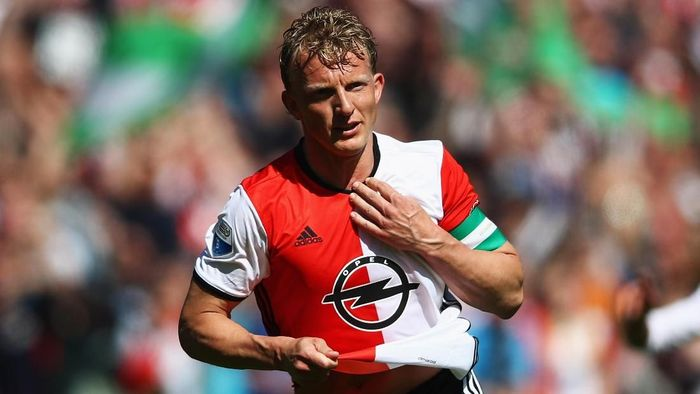 ROTTERDAM, NETHERLANDS - MAY 14:  Dirk Kuyt of Feyenoord Rotterdam celebrates scoring his teams third goal of the game during the Dutch Eredivisie match between Feyenoord Rotterdam and SC Heracles Almelo held at De Kuip or Stadion Feijenoord on May 14, 2017 in Rotterdam, Netherlands.  (Photo by Dean Mouhtaropoulos/Getty Images)