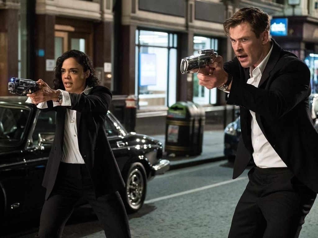 Aksi Chris Hemsworth di Trailer Perdana Reboot Men in Black