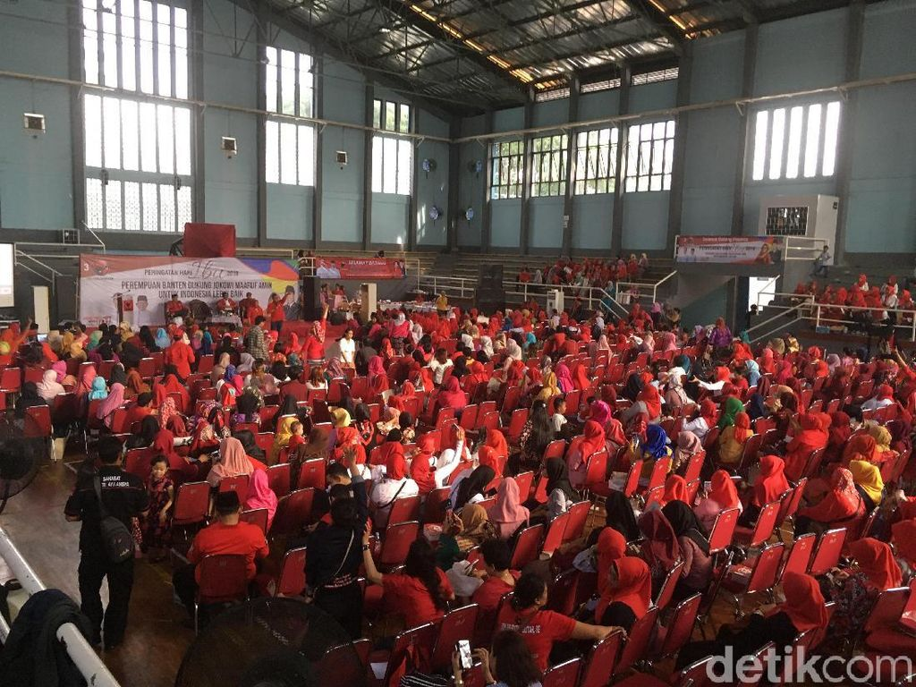 PDIP Minta Ibu-ibu Banten Door to Door Kampanyekan Jokowi-Maruf