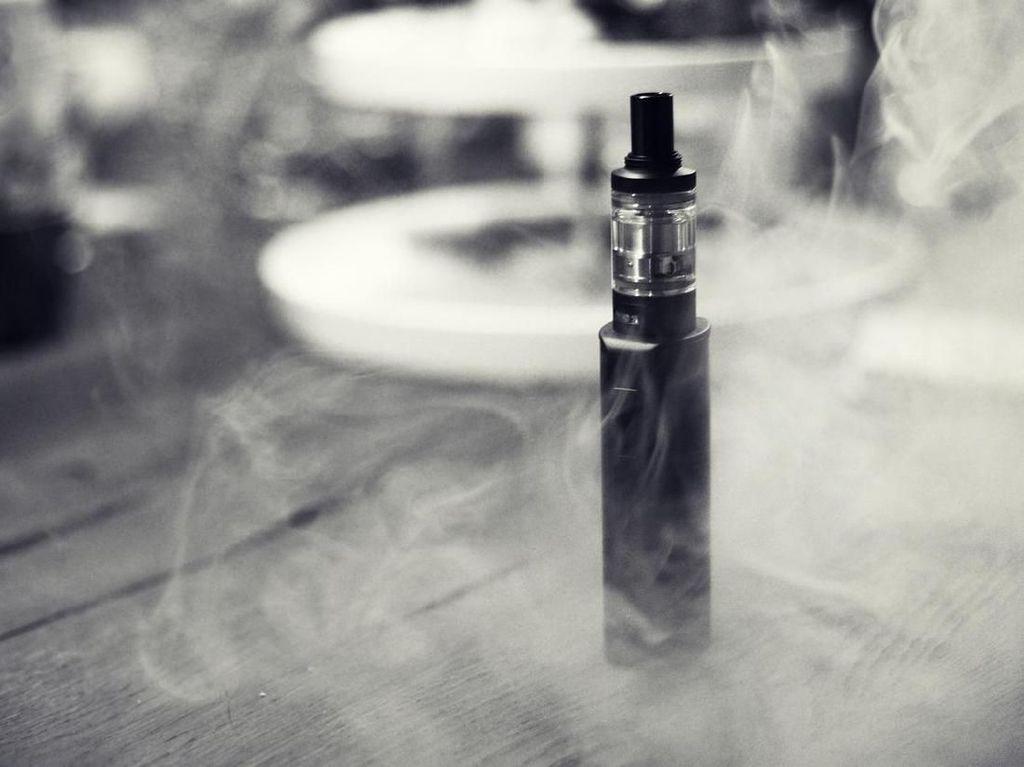 Bea Cukai Mulai Pelototi Kepatuhan Industri Rokok Elektrik