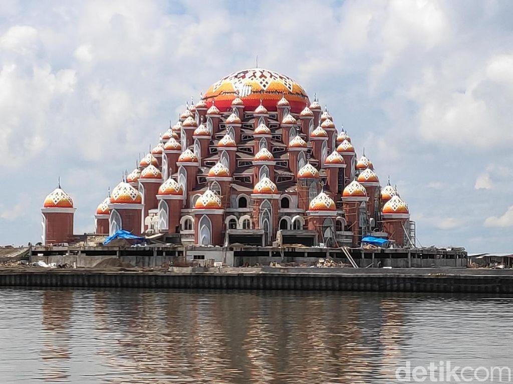 Potret Masjid 99 Kubah Sulsel yang akan Rampung