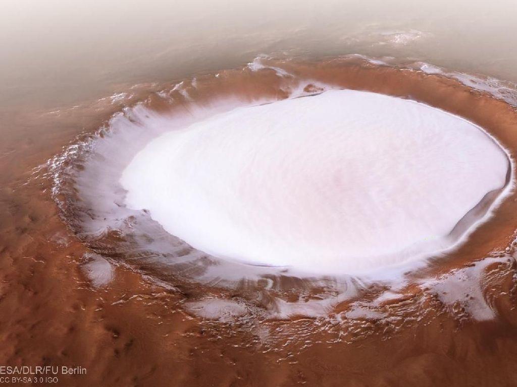 Indahnya Kawah Mars yang Bikin Elon Musk Terkesima