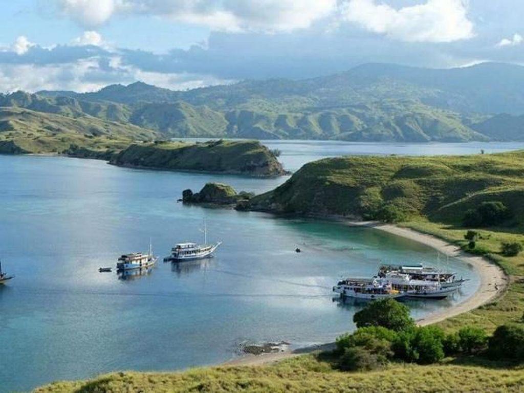 Jatuh Cinta dengan Pulau-pulau NTT