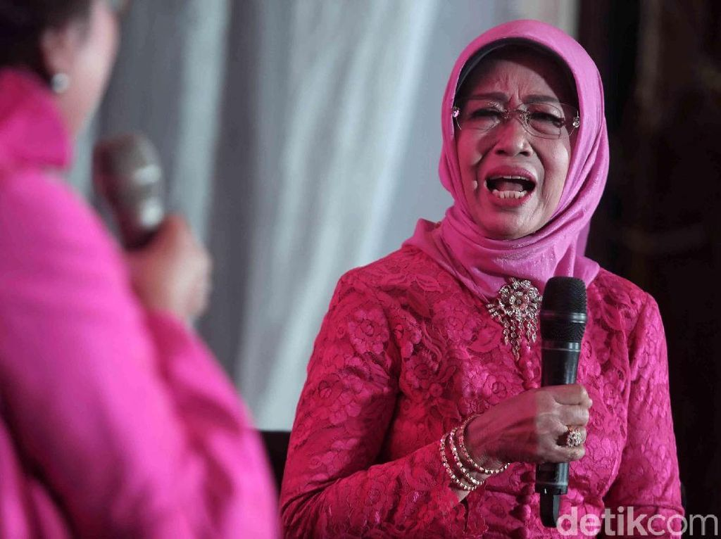 Ibunda: Tidak Benar Jokowi PKI, Chinese, dan Nonmuslim