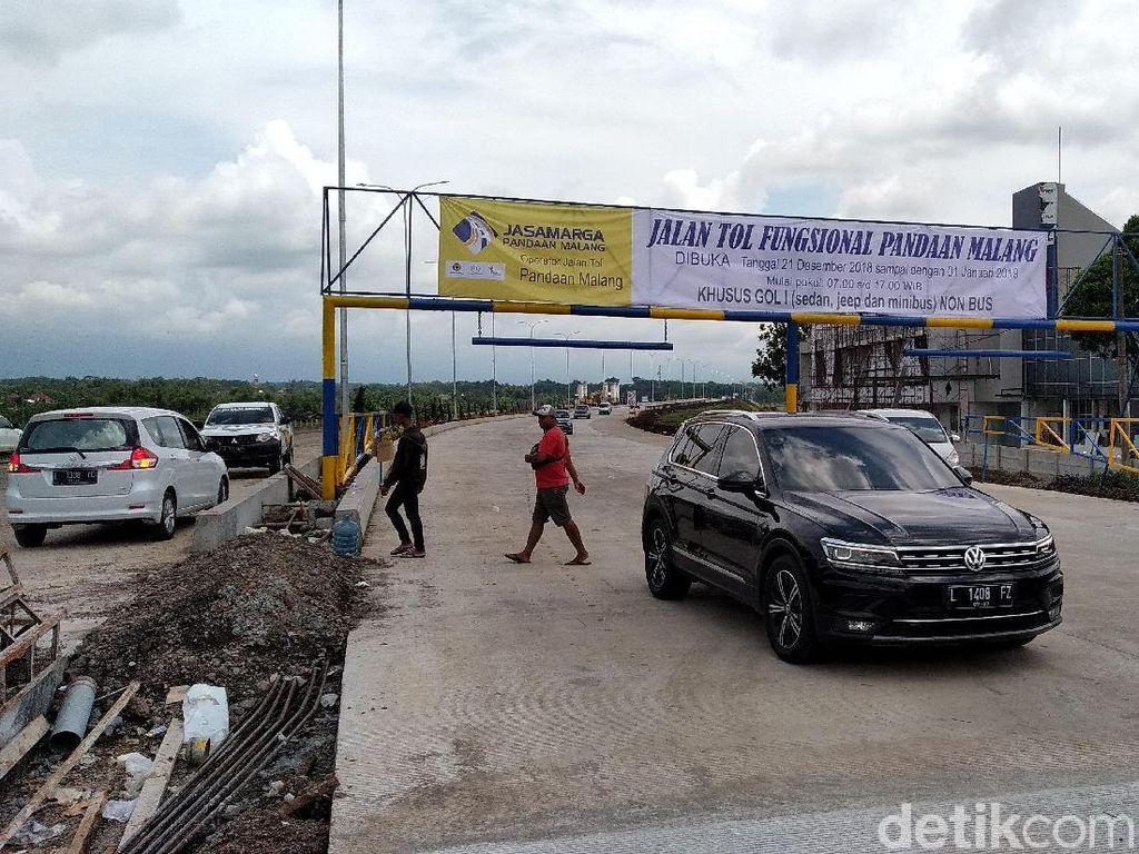Exit Tol Fungsional Karanglo Ramai Kendaraan Menuju Malang-Batu