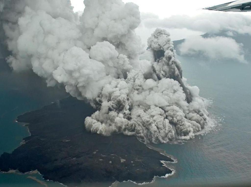 Anak Krakatau Siaga, Warga Diminta Waspada