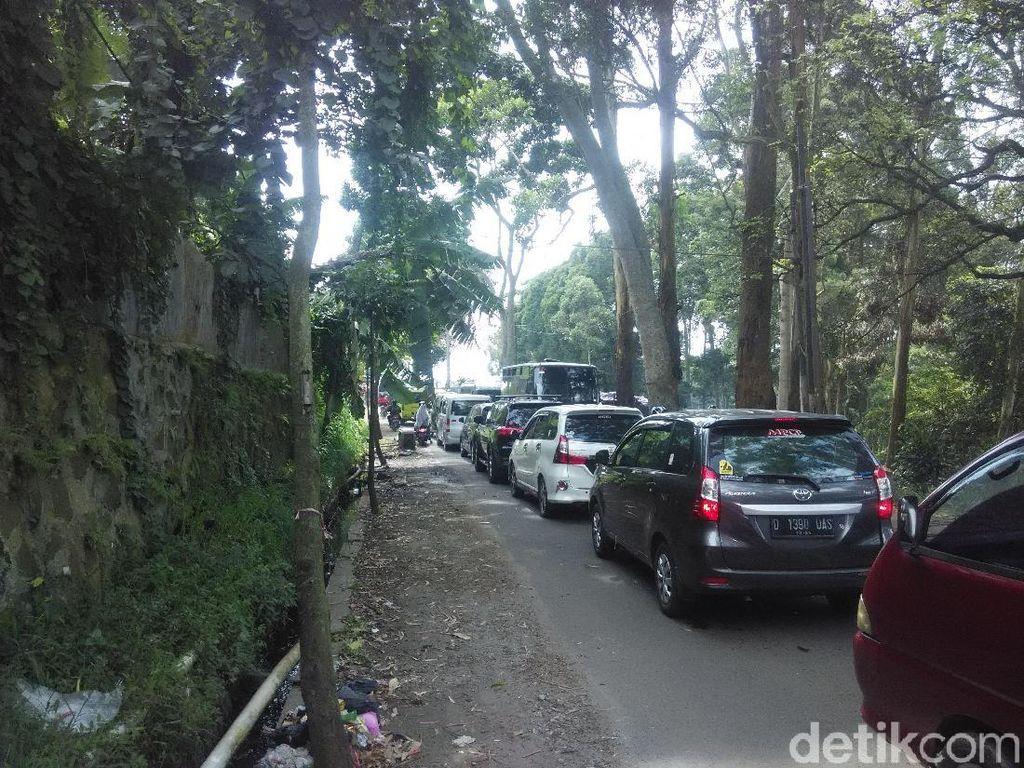 Sambut Libur Natal, Wisatawan Padati Kawasan Lembang Bandung