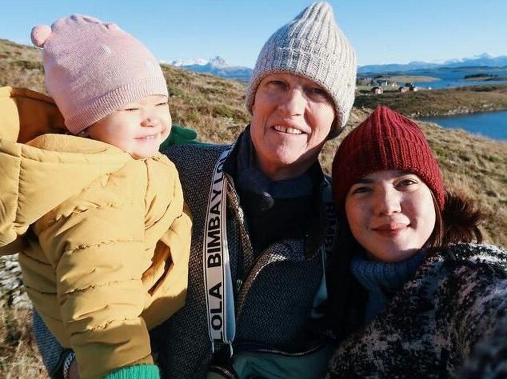 Rumah Hancur, Alice Norin Bersyukur Ayah Selamat dari Tsunami