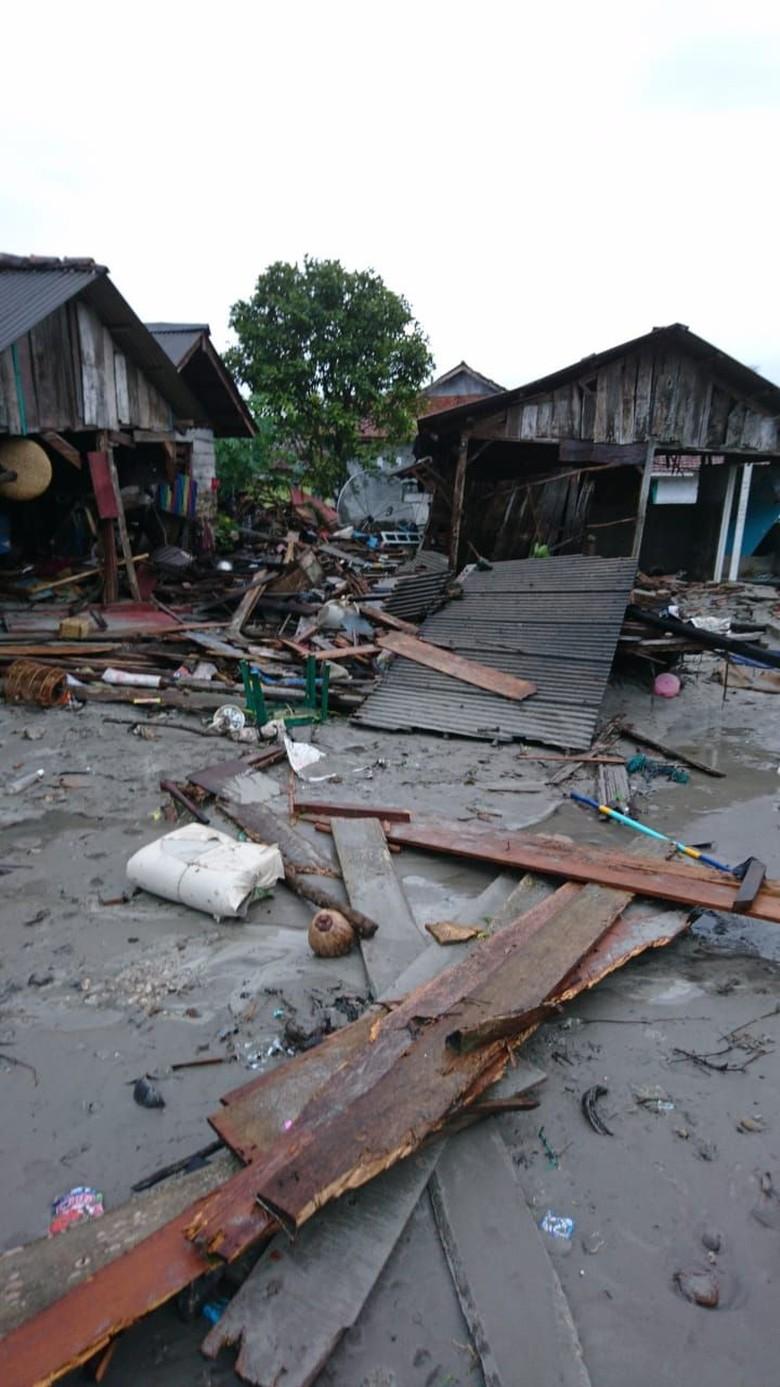 Korban Meninggal Akibat Tsunami Lampung Jadi 44 Orang