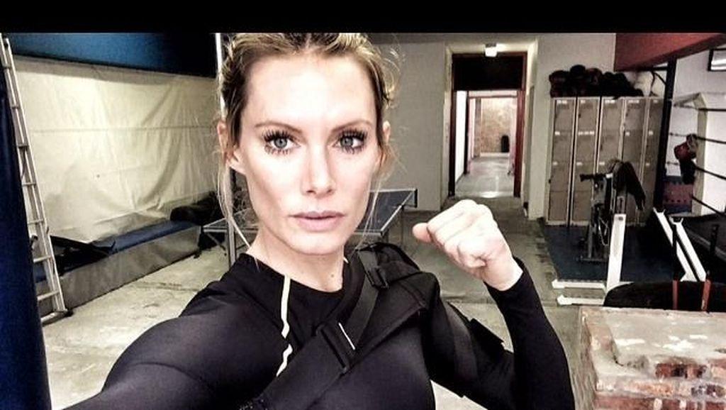 Stuntwoman Cantik Ini Kariernya Hancur Pasca-Kecelakaan di Film Resident Evil
