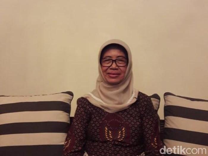 Ibunda Jokowi, Sujiatmi Notomiharjo saat wawancara eksklusif dengam detikcom