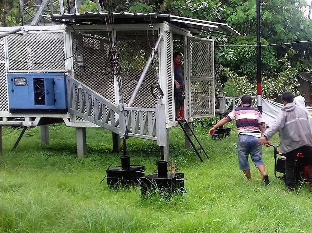 Pemulihan Jaringan Telekomunikasi di Daerah Terdampak Tsunami