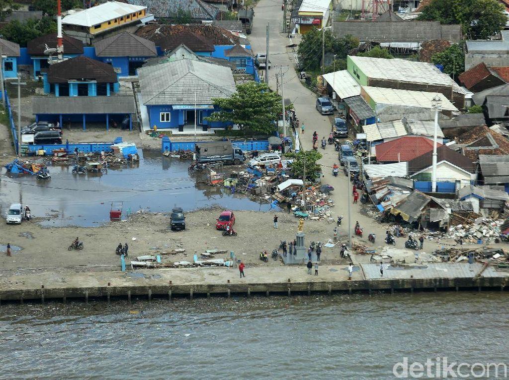 Cerita-cerita Mencekamnya Terjangan Tsunami Selat Sunda