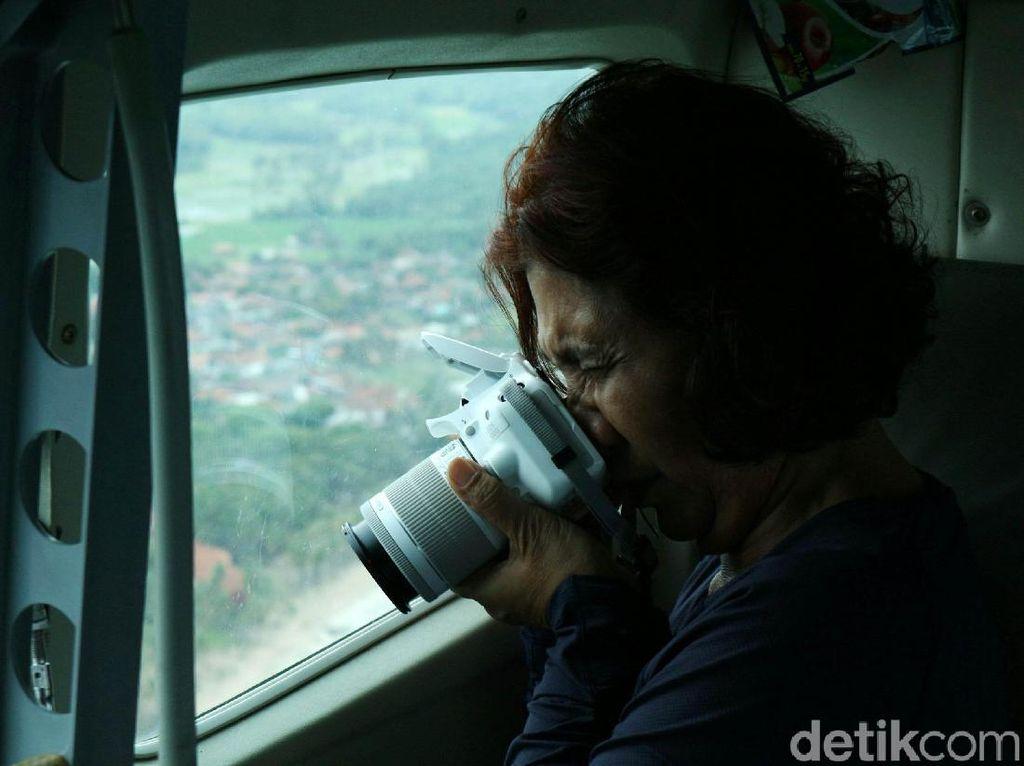 Menteri Susi Pantau Kerusakan Akibat Tsunami dari Langit Banten