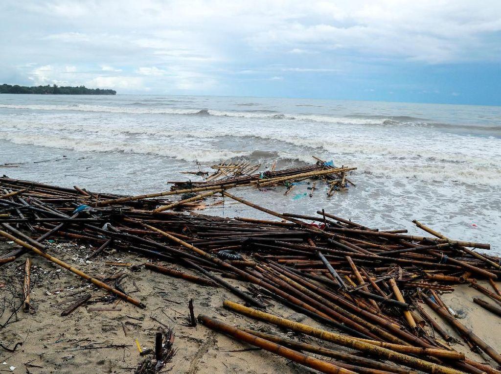 Kondisi Pantai Carita 2 Hari Pasca Tsunami