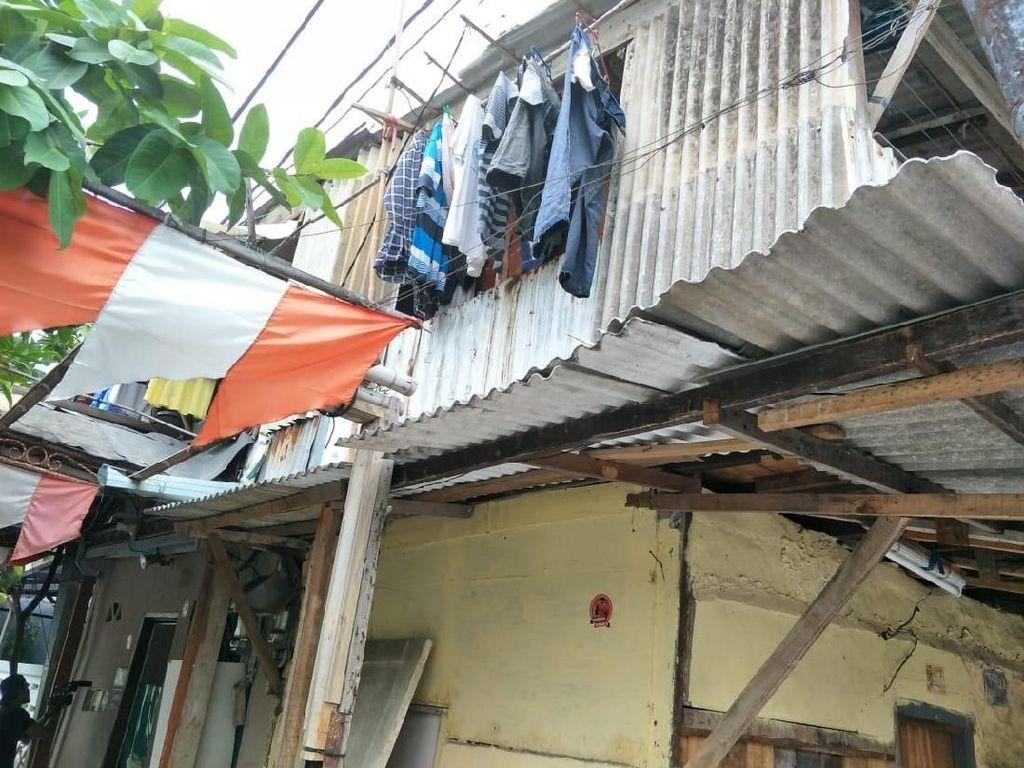 Pemilik Porsche Cayman Diburu Samsat, Alamatnya di Rumah Berdinding Seng