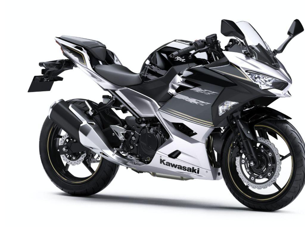 Tinggalkan Warna Hijau, Ini Dua Warna Baru Kawasaki Ninja 250 Versi 2019