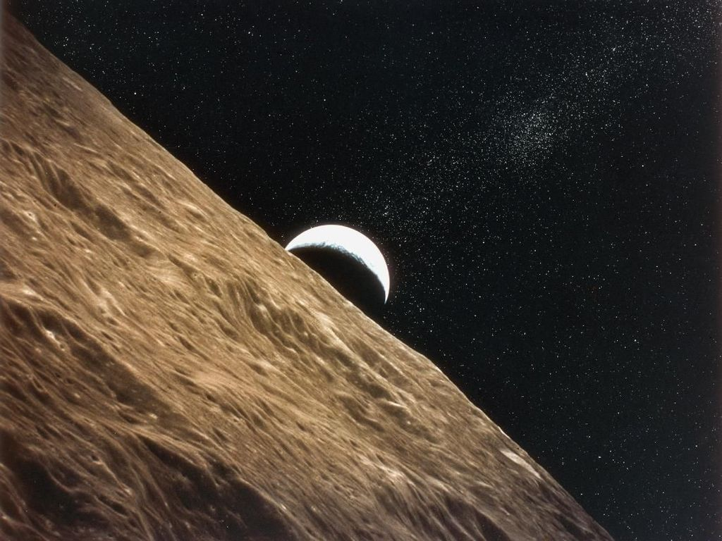 Kumpulan Earthrise, Momen Bumi Terbit di Cakrawala Bulan