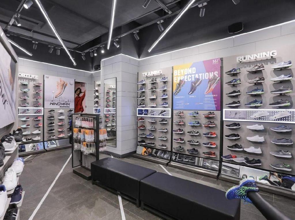 Brand Sepatu dan Apparel asal China Buka Toko di Lippo Mall Puri