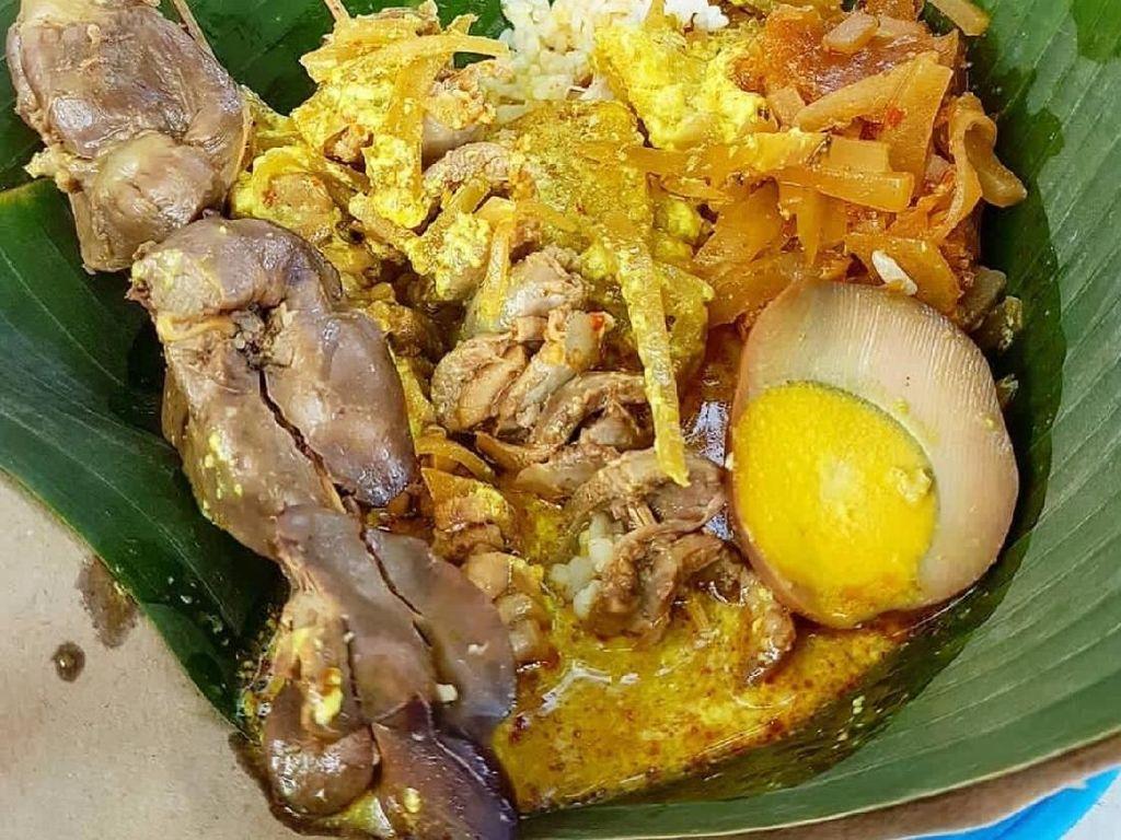 Dingin Sejuk Paling Cocok Sarapan Nasi Ayam yang Gurih Enak