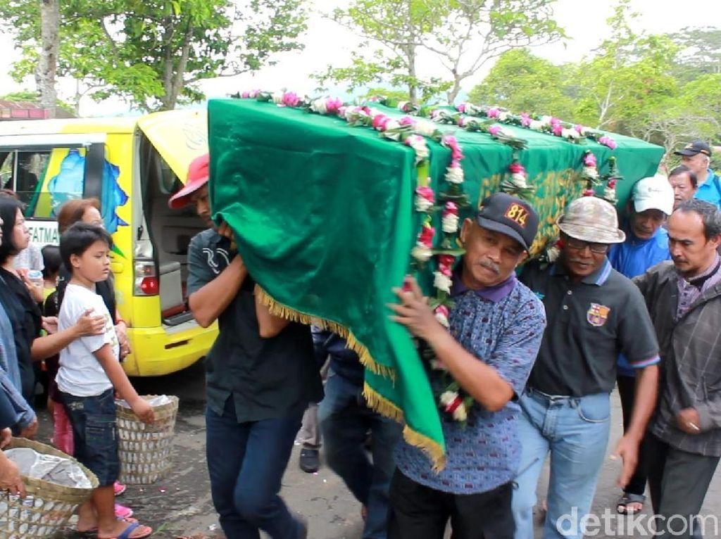 2 Korban Tsunami Banten Dimakamkan di Magelang