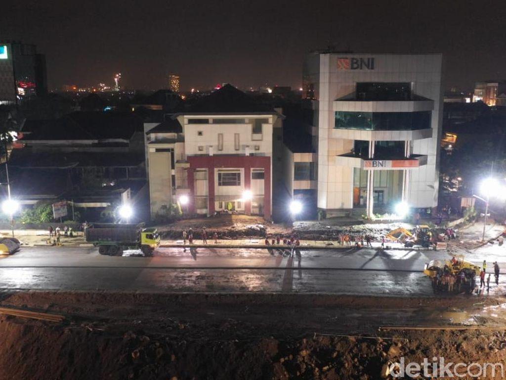Besok Mau Diuji Coba, Pengaspalan Jalan Gubeng Dikebut