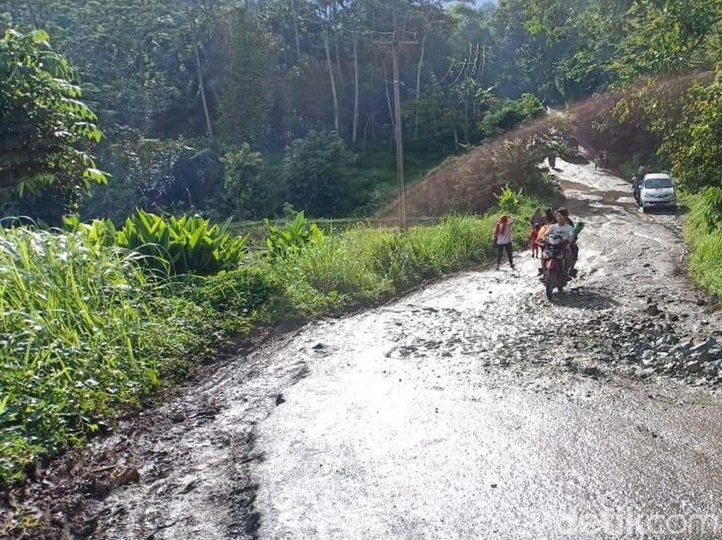 Foto: Begini Akses Menuju Sumur, Lokasi Terdampak Tsunami Paling Parah