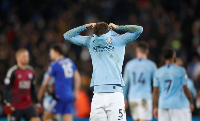 Soccer Football - Premier League - Leicester City v Manchester City - King Power Stadium, Leicester, Britain - December 26, 2018  Manchester Citys John Stones looks dejected at the end of the match   Action Images via Reuters/Carl Recine  EDITORIAL USE ONLY. No use with unauthorized audio, video, data, fixture lists, club/league logos or