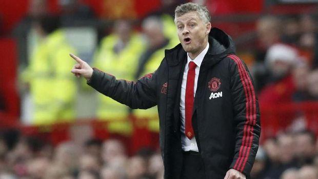 Solskjaer enggan banyak mengomentari kinerja Mourinho di Man United.