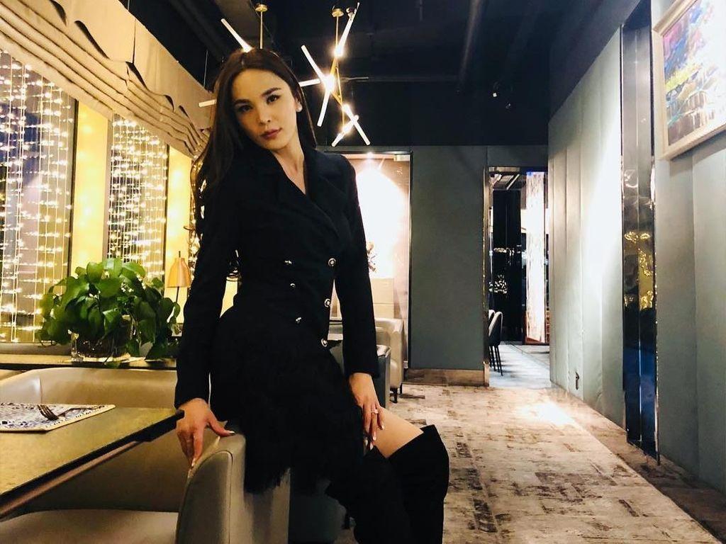 Ikuti Jejak Angela Ponce, Ini Transgender Pertama di Miss Universe Mongolia