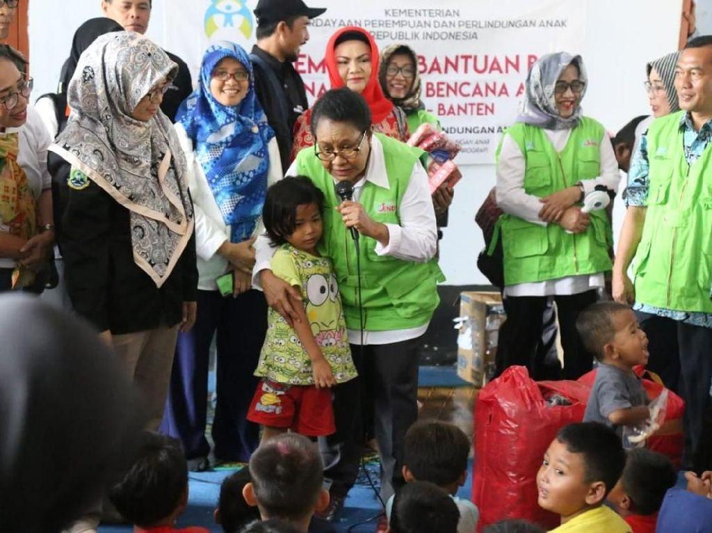Dukungan Menteri Yohana untuk Korban Tsunami Selat Sunda