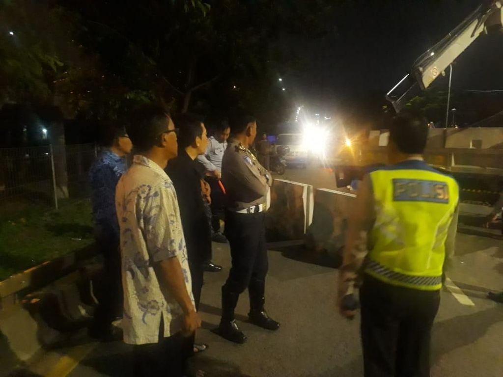 Flyover Rawabuaya Renggang, Polisi Lakukan Pengalihan Lalin