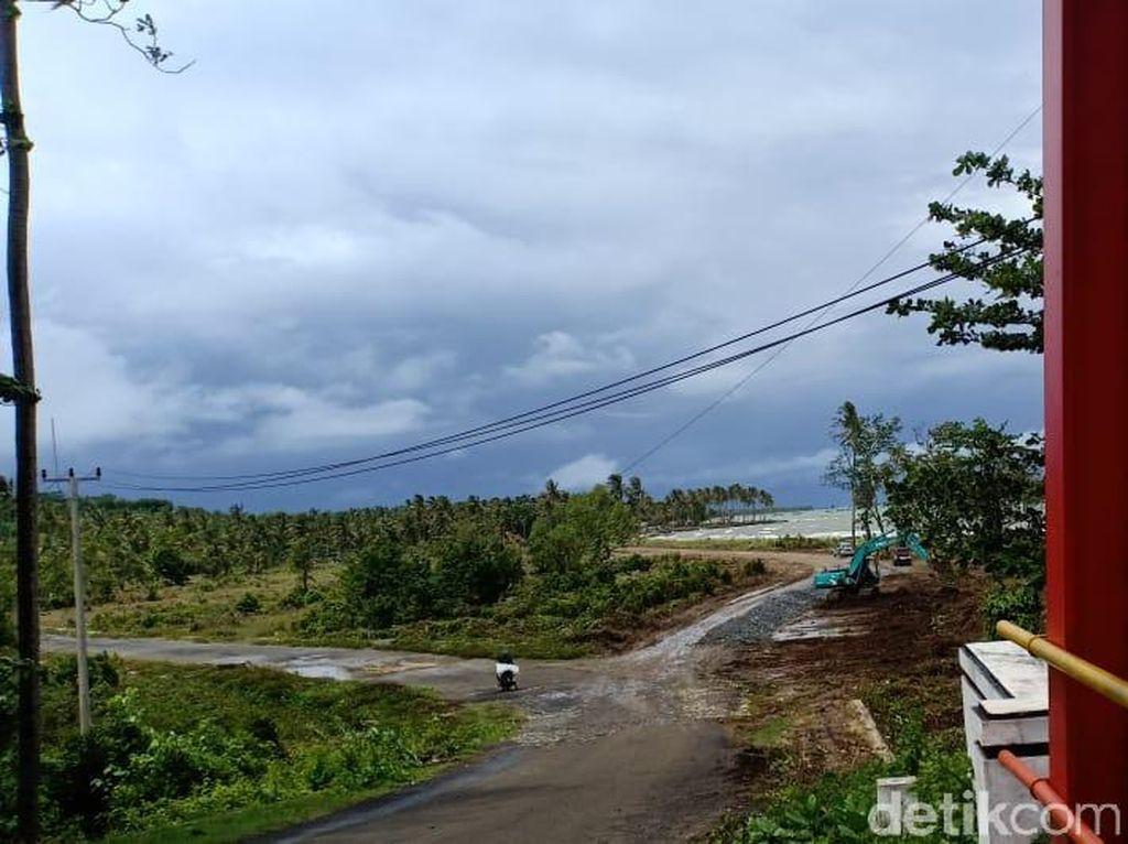 Tsunami Anyer Bikin Hotel Dekat Pantai Jadi Sepi?