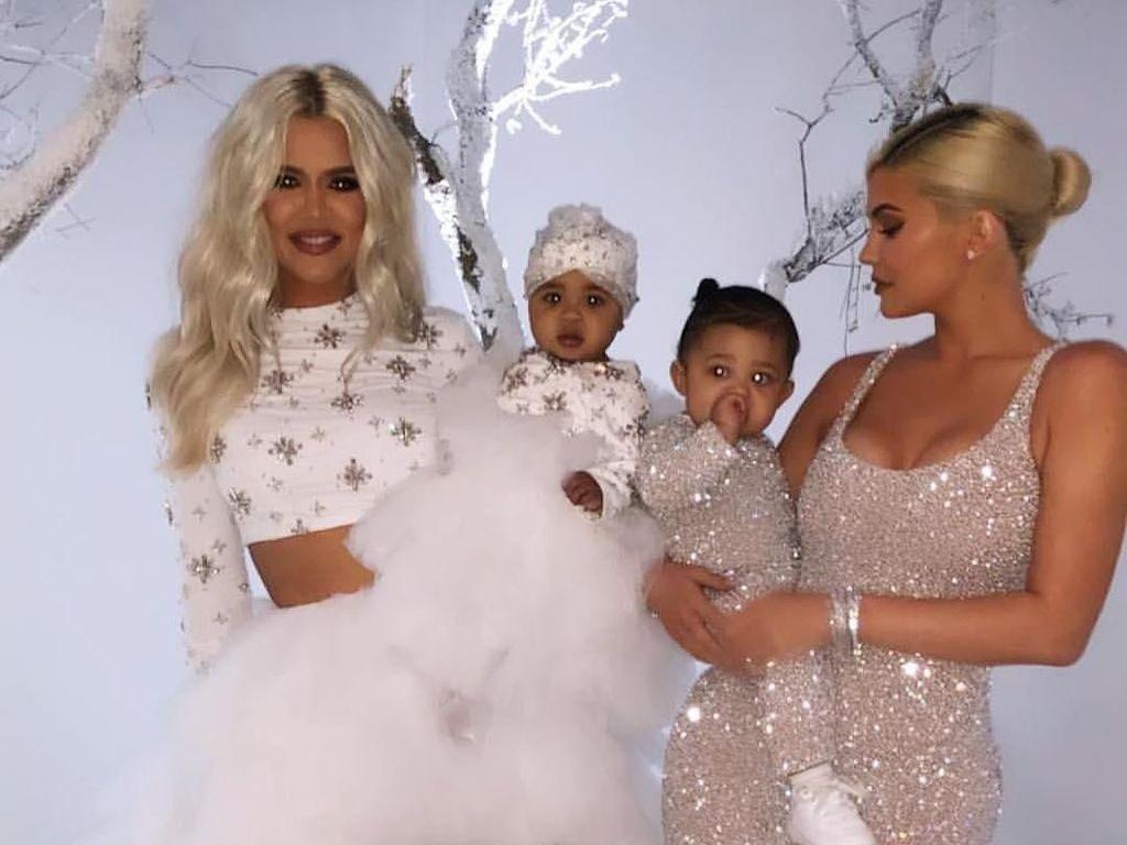 Keren, Gwen Stefani dan Khloe Kardashian Pakai Baju Desainer Indonesia