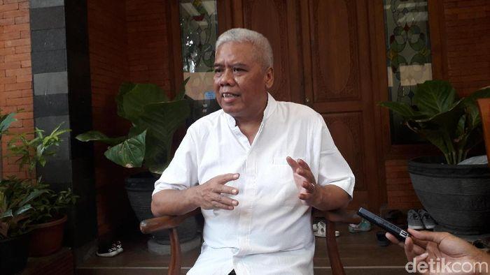 Mabh Putih alias Dwi Irianto dinonaktifkan dari Komdis PSSI. (Ristu Hanafi/detikSport)