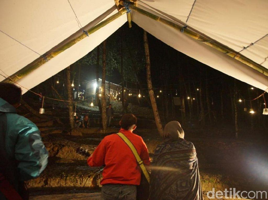 Asyiknya Camping Mewah di Perbukitan Menoreh