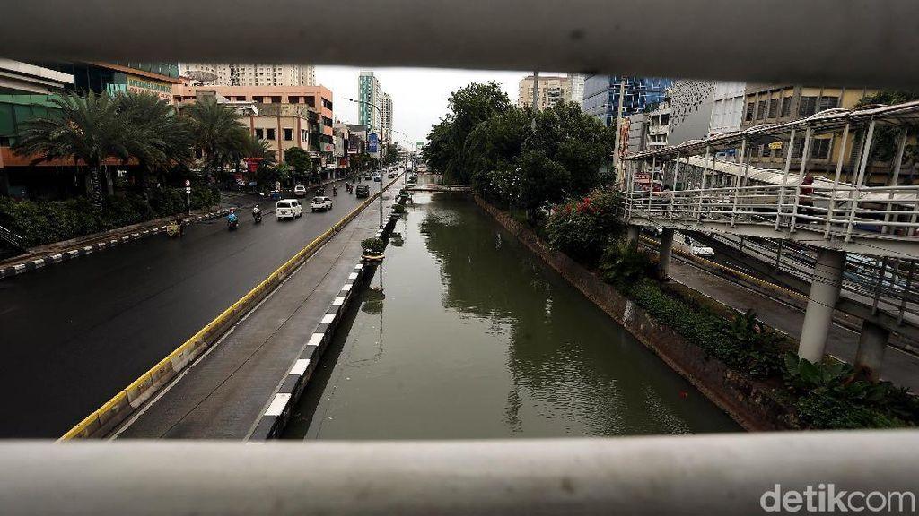 Potret Kali Ciliwung Kota Yang Kini Terlihat Bersih