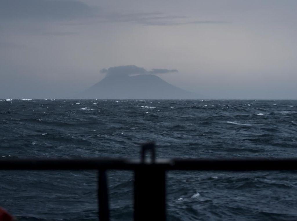PVMBG: Semburan Gas Beracun Anak Krakatau Tak Mencapai Pemukiman